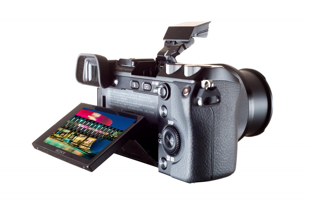 Sony NEX-7 mirrorless camera published in Photography Monthly Magazine.