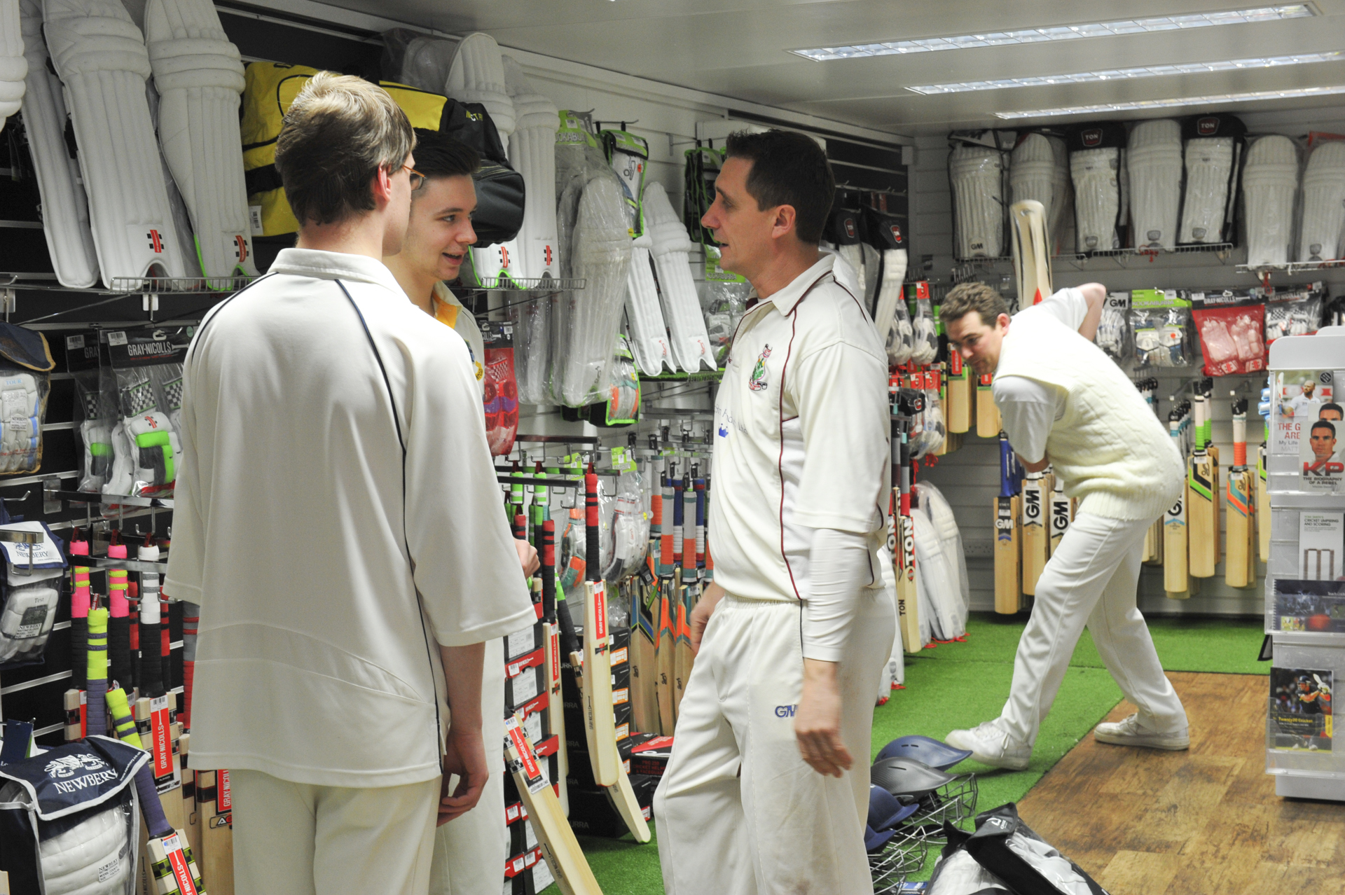 Andrew Miller sizes up bats for testing whilst competition winners talk shop with Jim Hindson